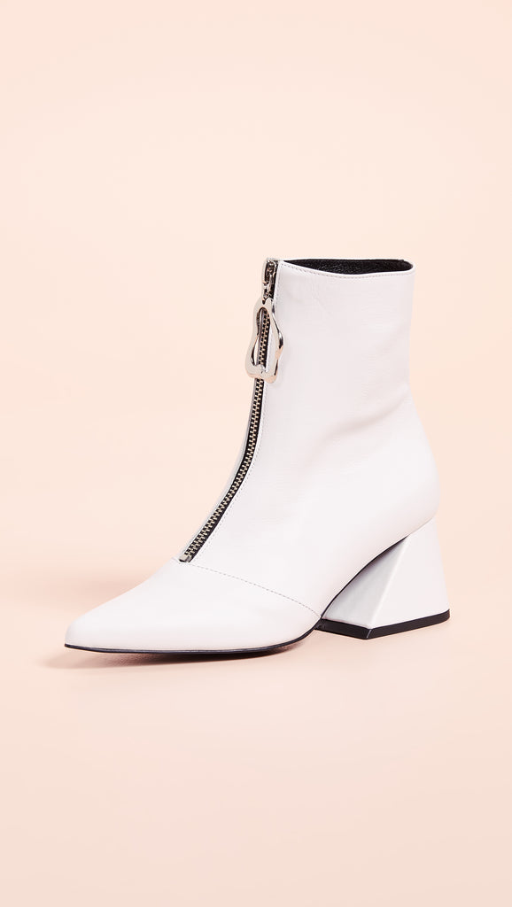 Yuul Yie Front Zipper Closure Point Toe Boots White - Room 29
