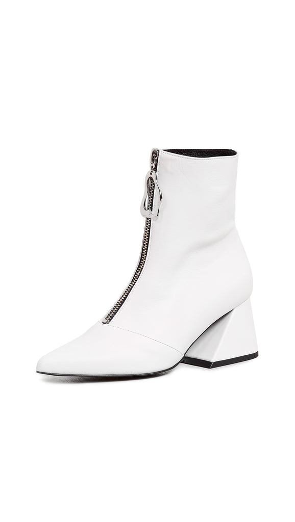 Yuul Yie Front Zipper Closure Point Toe Boots White