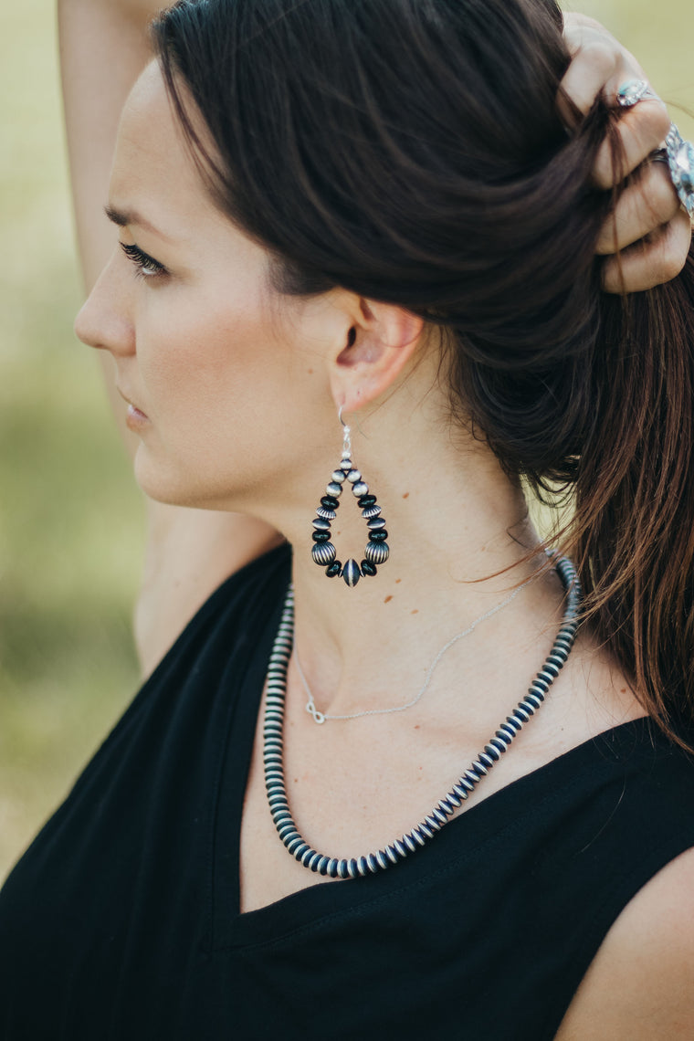 "3"" Navajo Pearl Earrings - Onyx"