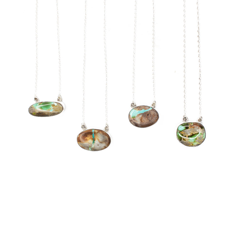 The Botega Bar Necklace