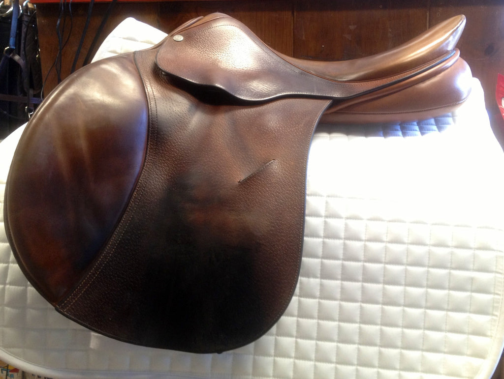 "D. Boot & L. Batchelor English-Made Custom 16.5"" Saddle (Used)"