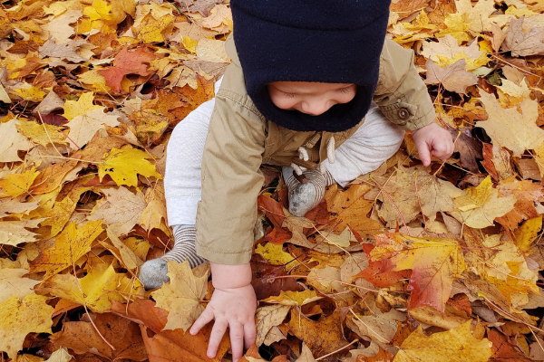 baby in the leaves fleece hat