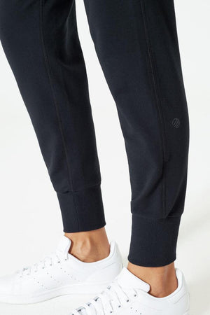 Strike 3.0 Slim Joggers - Adult