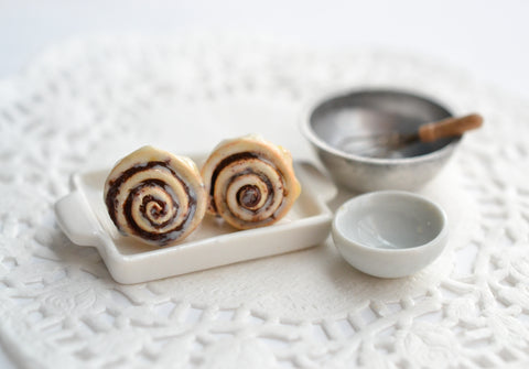Scented Cinnamon Roll -Light Icing Stud Earrings