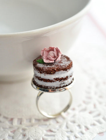 Shabby Chic Naked Cake Ring - Chocolate