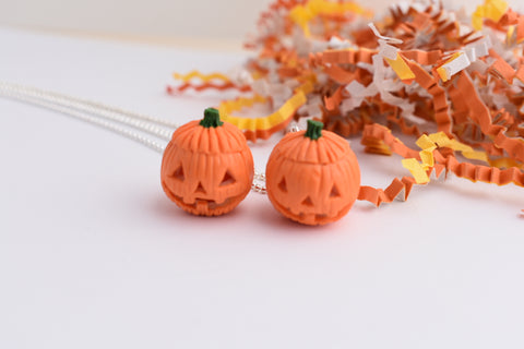 Scented Glow In The Dark Jack O' Lantern Necklace