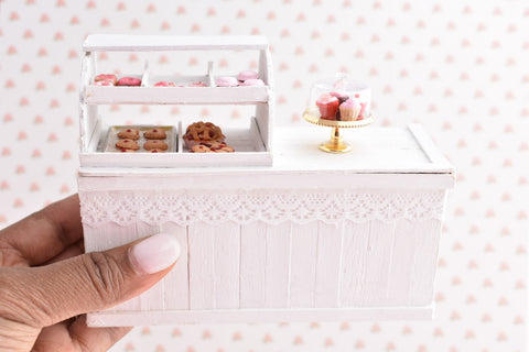 1:12 Deluxe Shabby Chic Bakery Counter With Scented Bakery Treats LAST ONE