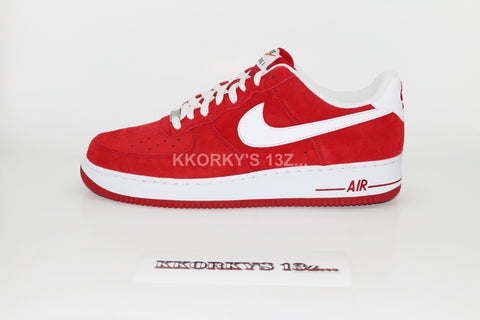NIKE AIR FORCE 1 - Gym Red/White Suede