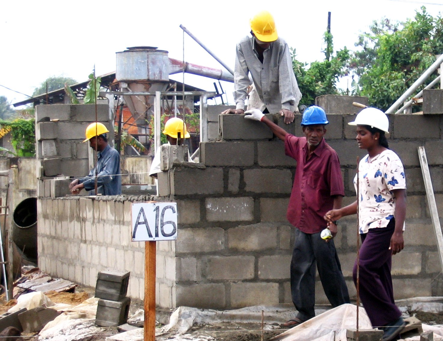 Sri Lanka - Local Industry and Women Construction Training