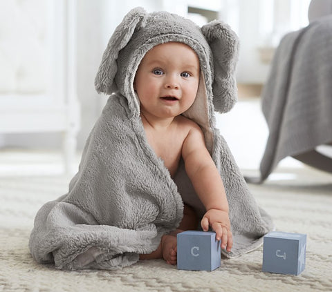 8. faux-fur-animal-baby-bath-wraps Nursing Maternity mom gift