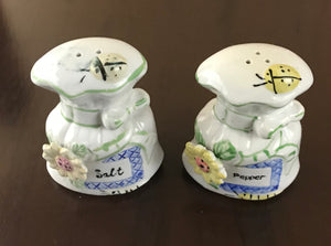 Vintage White Ceramic Pouch Sack Salt & Pepper Shakers w/Fine Details Glazed Finish