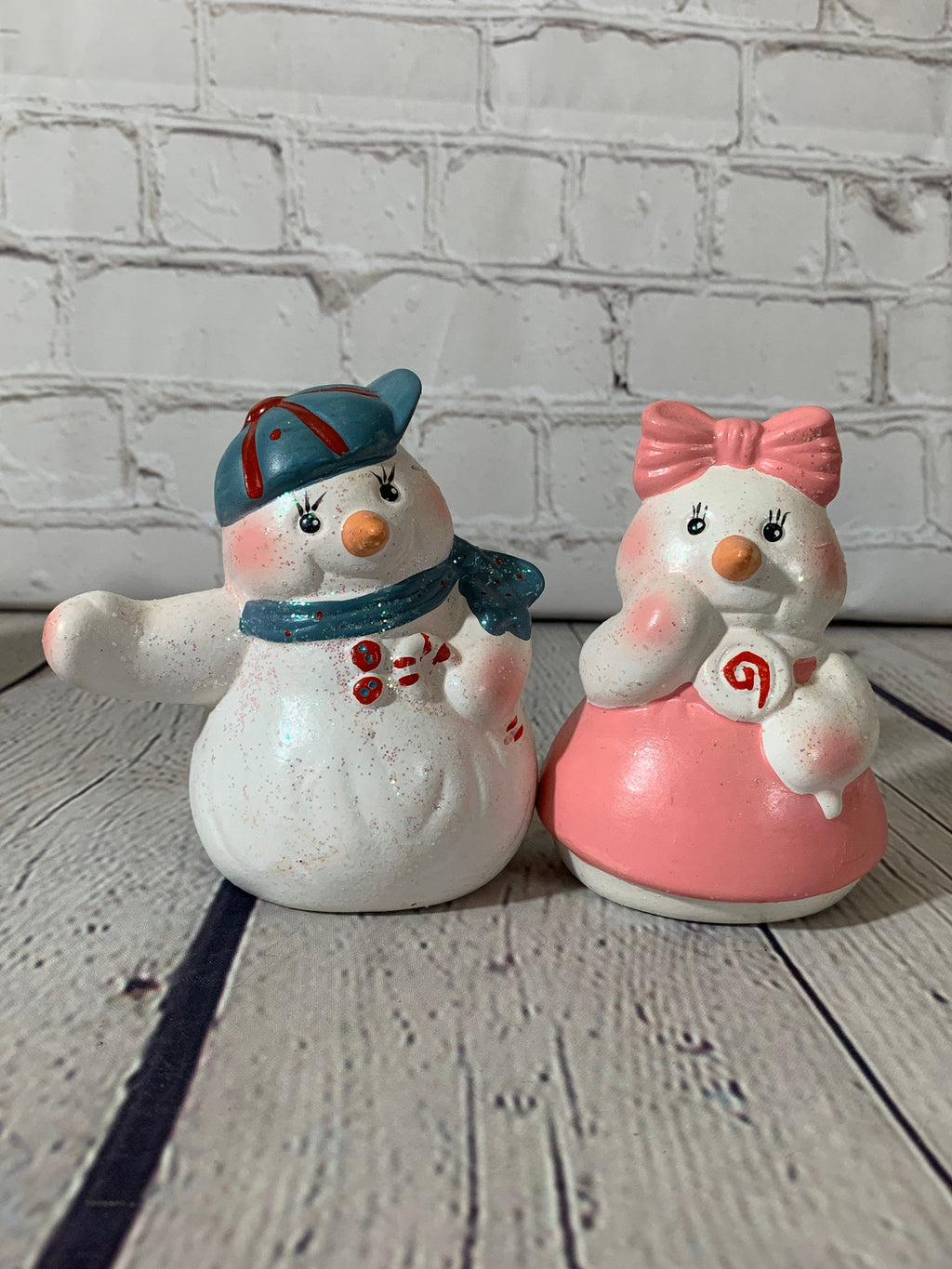 "Vintage Ceramic ""Boy and Girl"" Snowman Salt & Pepper Shakers- Loomco 1995"
