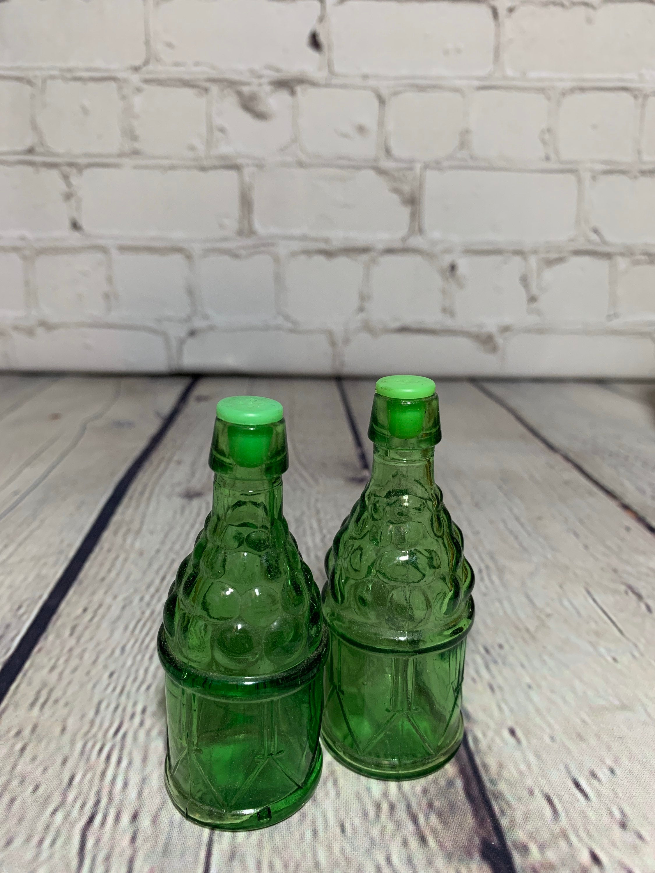 Vintage Green Tint Pressed Glass Design Salt & Pepper Shaker- Taiwan 1980's