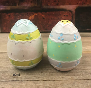 Vintage Ceramic Pastel Painted Egg Salt & Pepper Shakers