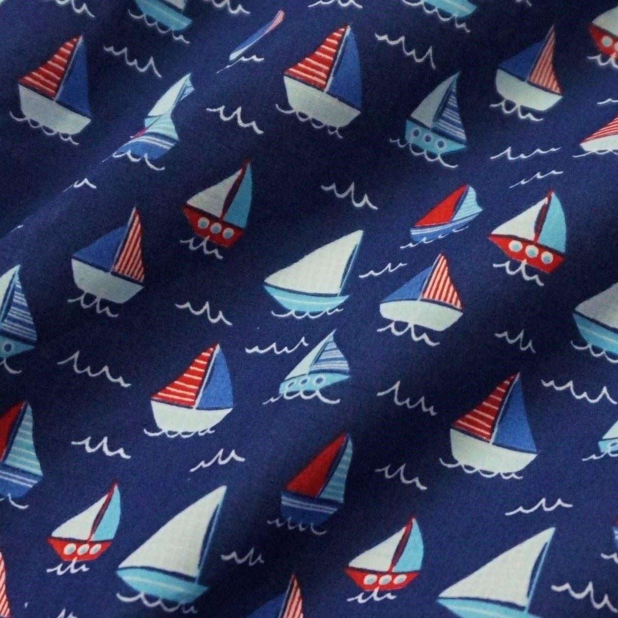 White Sailing Boats Yachts Printed Polycotton Fabric 114 cm width free P/&P