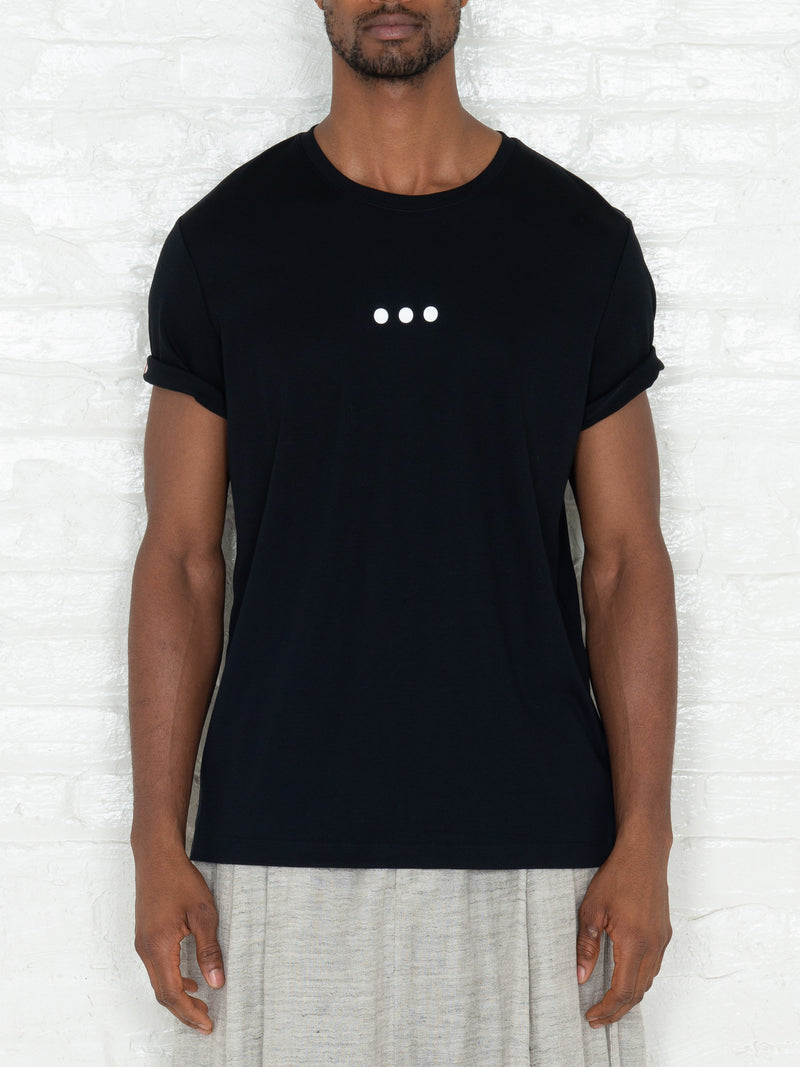 """3 Dots"" T-shirt in Black"