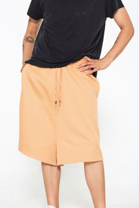 """The Limited Super 150's Wool Shorts"" in Peach"