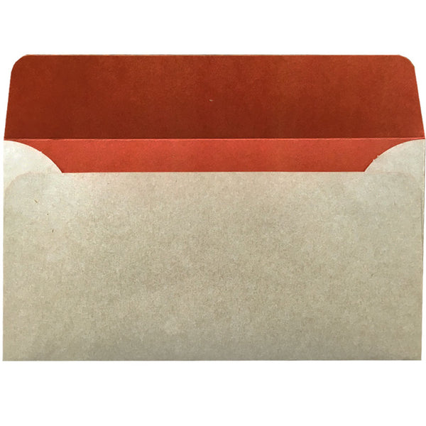 dle natural kraft envelope with rust colouring inside