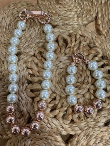Pearls and R Gold Necklace