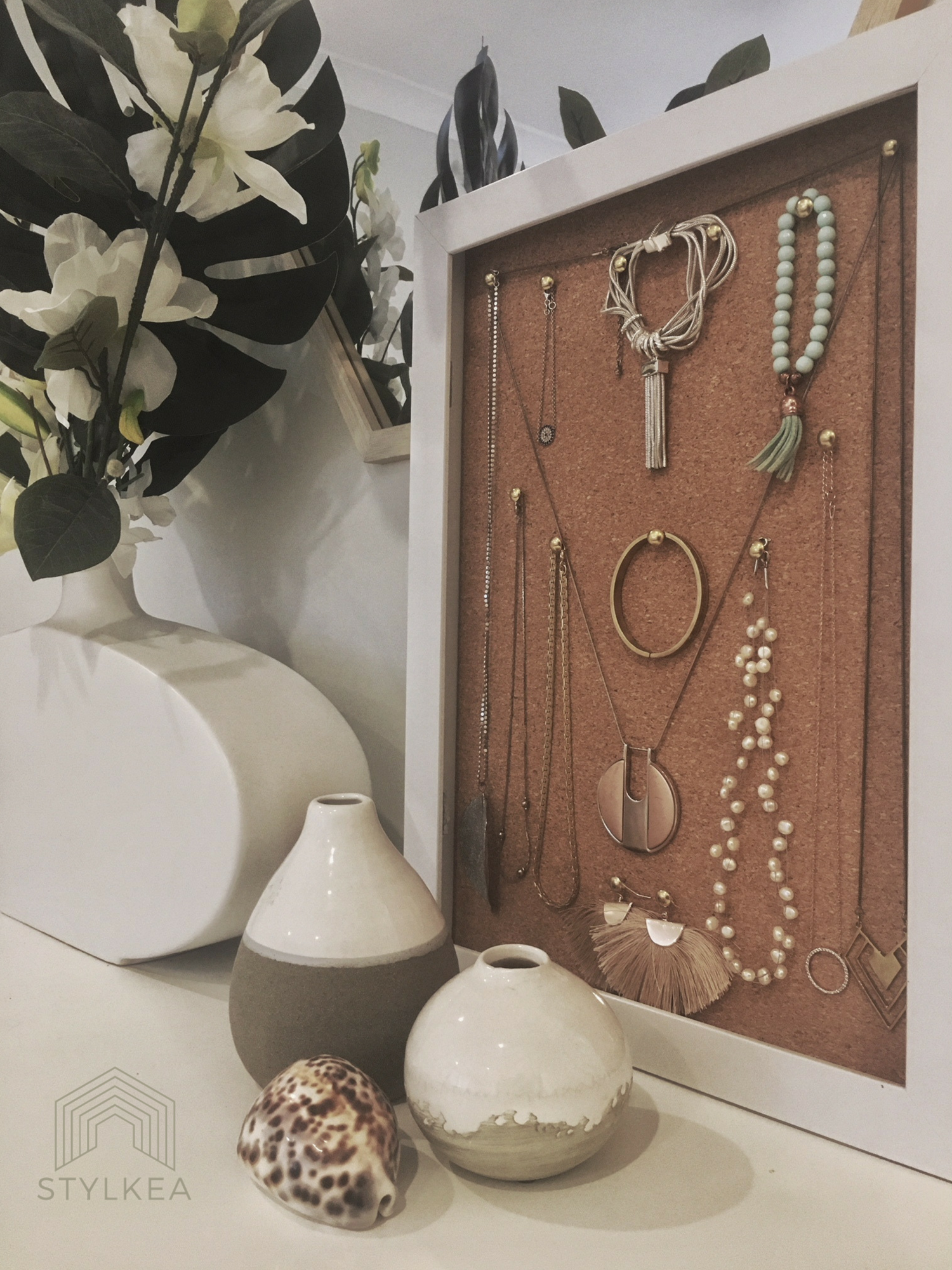 DIY Project: Jewellery Display and Storage
