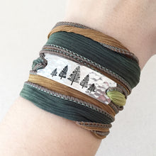 Load image into Gallery viewer, Evergreen Row Silk Wrap Bracelet WC19