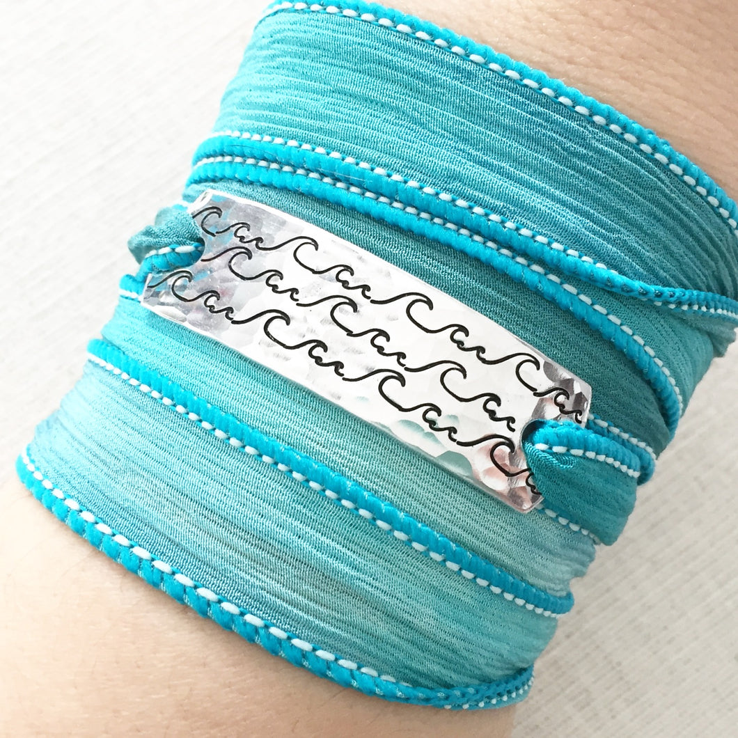 Ocean Waves Silk Wrap Bracelet WC23