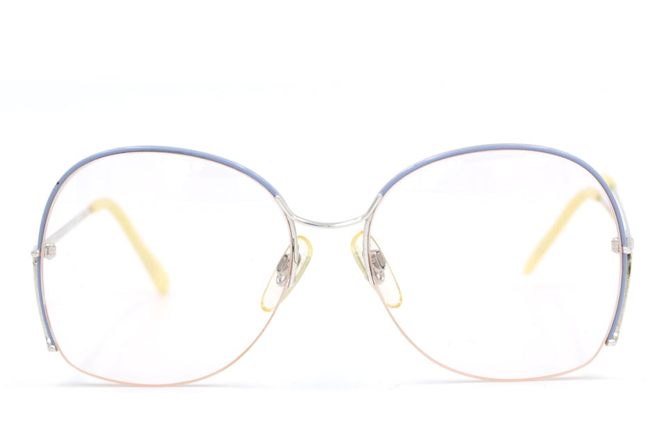 Atrio Vintage Glasses. Ladies Vintage Glasses. Ladies Aviator Glasses. Cool Stylish glasses. Sustainable Glasses.