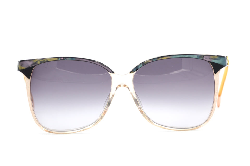 Gucci 2106 Vintage Sunglasses. Oversized Vintage Sunglasses. Gucci Sunglasses. Ladies Gucci Sunglasses. Women's Gucci Sunglasses. Designer Vintage Sunglasses. Sustainable Sunglasses. Sustainable Fashion