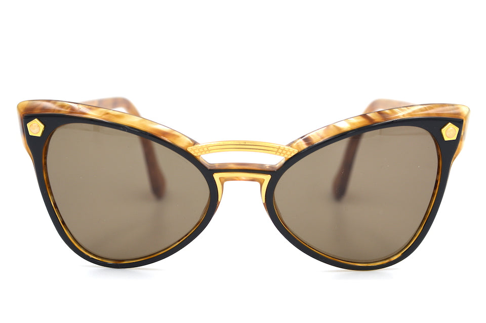 Yves Saint Laurent 6513 Y580 Vintage Sunglasses. YSL Sunglasses. Vintage YSL. Vintage Designer Sunglasses. Vintage Cat Eye Sunglasses. Sustainable Sunglasses. Ladies Petite Sunglasses
