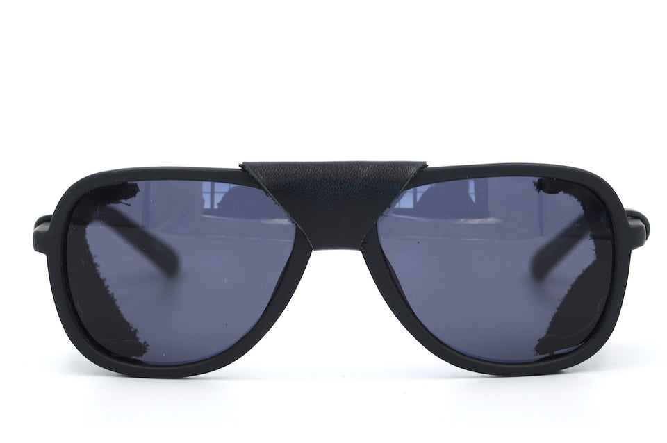 QS Summit side shield sunglasses. Leather side shield sunglasses. Mens Vintage Style Sunglasses. Quiksilver Sunglasses