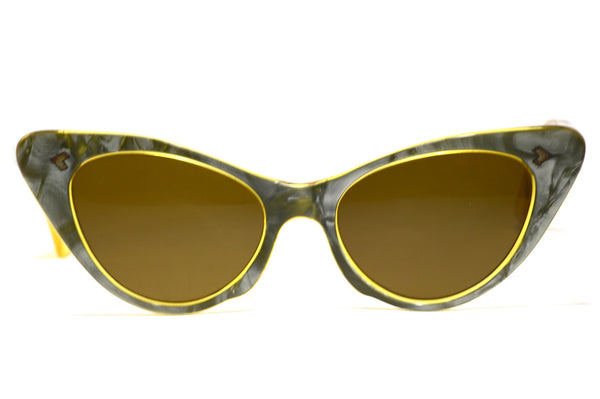 Front view ladies 1950's vintage cat eye sunglasses