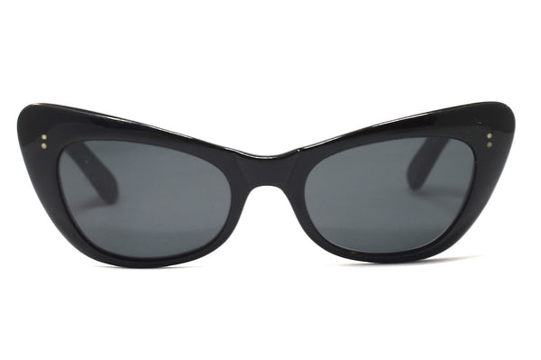 Front view 1950's black cat eye vintage sunglasses