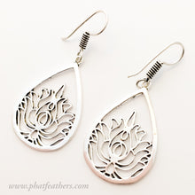 Load image into Gallery viewer, Lotus Pear Earrings