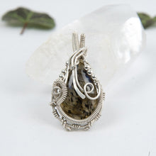 Load image into Gallery viewer, Teardrop Labradorite Silver Pendant