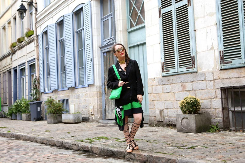 georgiana-boboc-interview-vintage-chanel-mini-green-tote-bagb