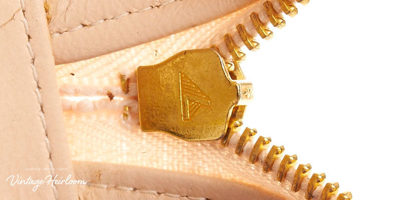 vintage-chanel-zippers-lampo-variant-back