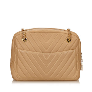 Vintage Chanel chevron quilted beige shoulder bag