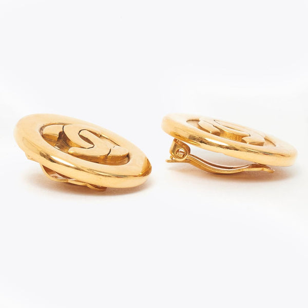 Vintage Chanel CC gold earring