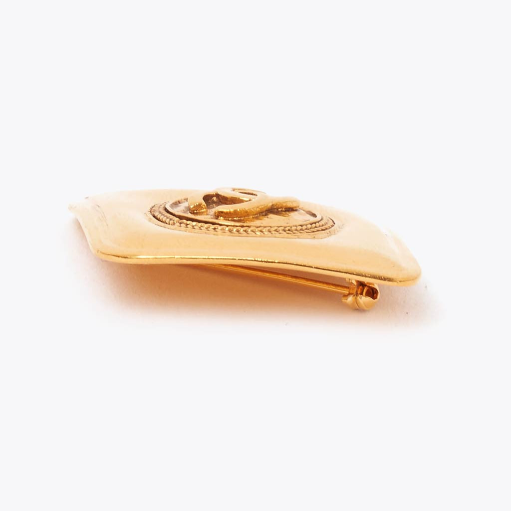 Vintage Chanel gold diamond shape CC brooch
