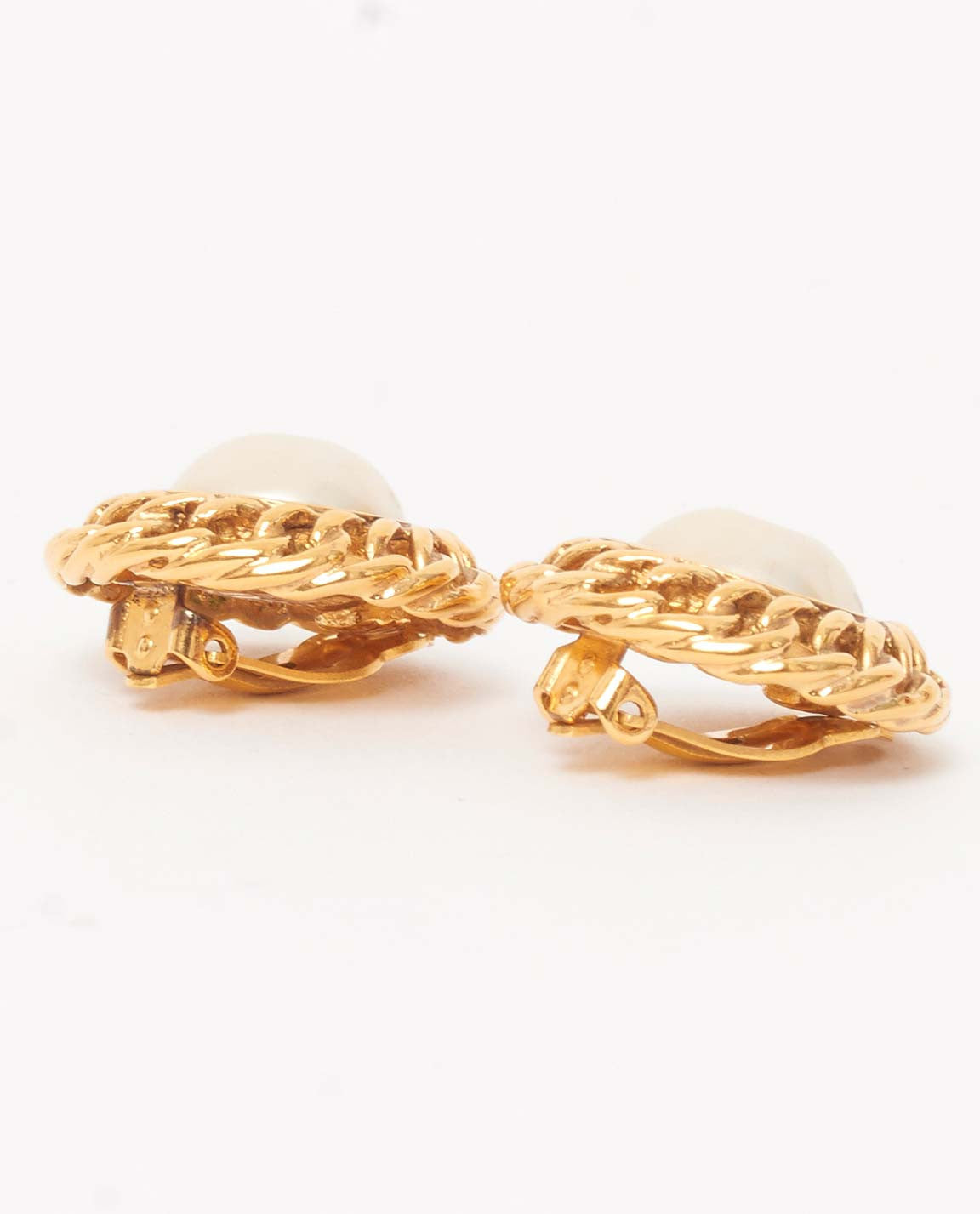 Vintage Chanel gold pearl clip on earrings