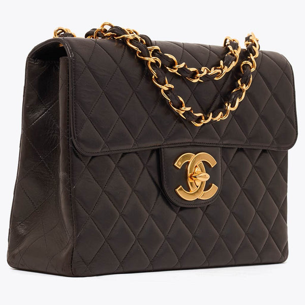 Vintage Chanel jumbo flap bag