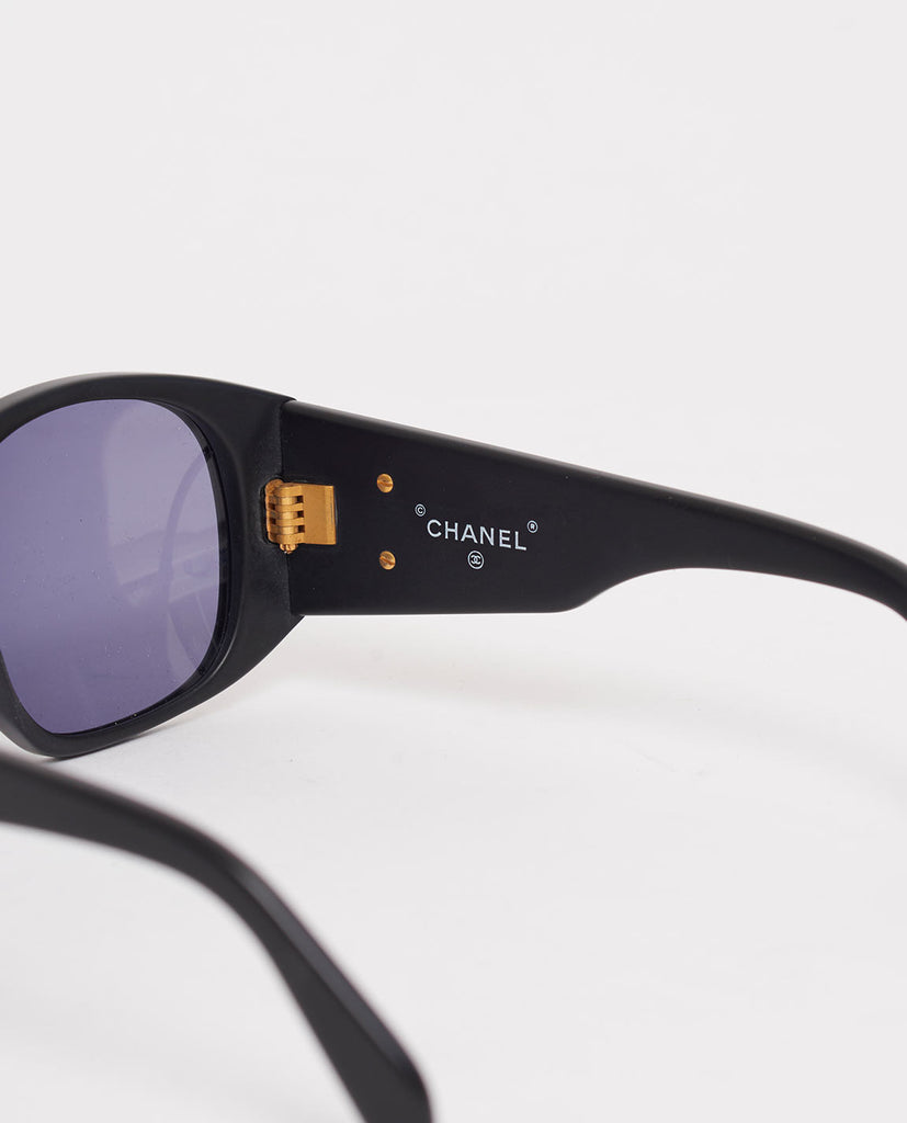 vintage Chanel brand stamping sunglasses