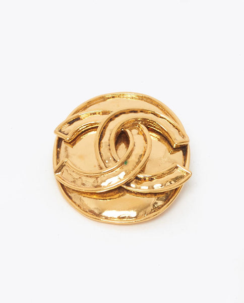 Vintage Chanel oval CC gold brooch