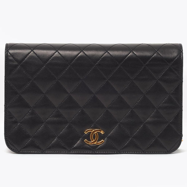 Vintage Chanel single flap small classic bag