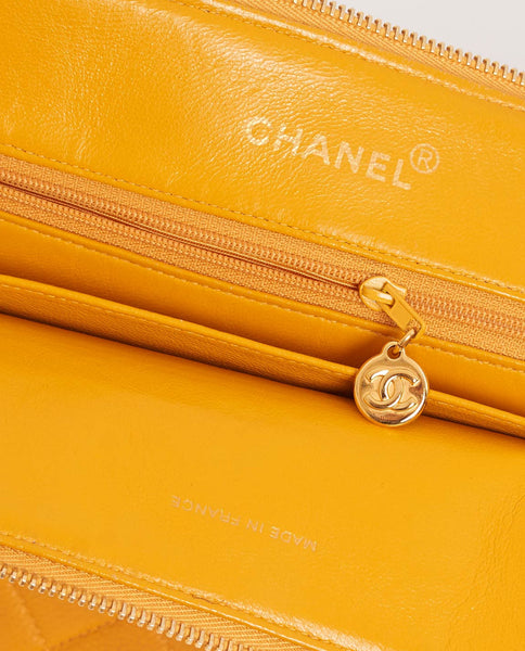 Vintage Chanel yellow caviar skin shoulder bag