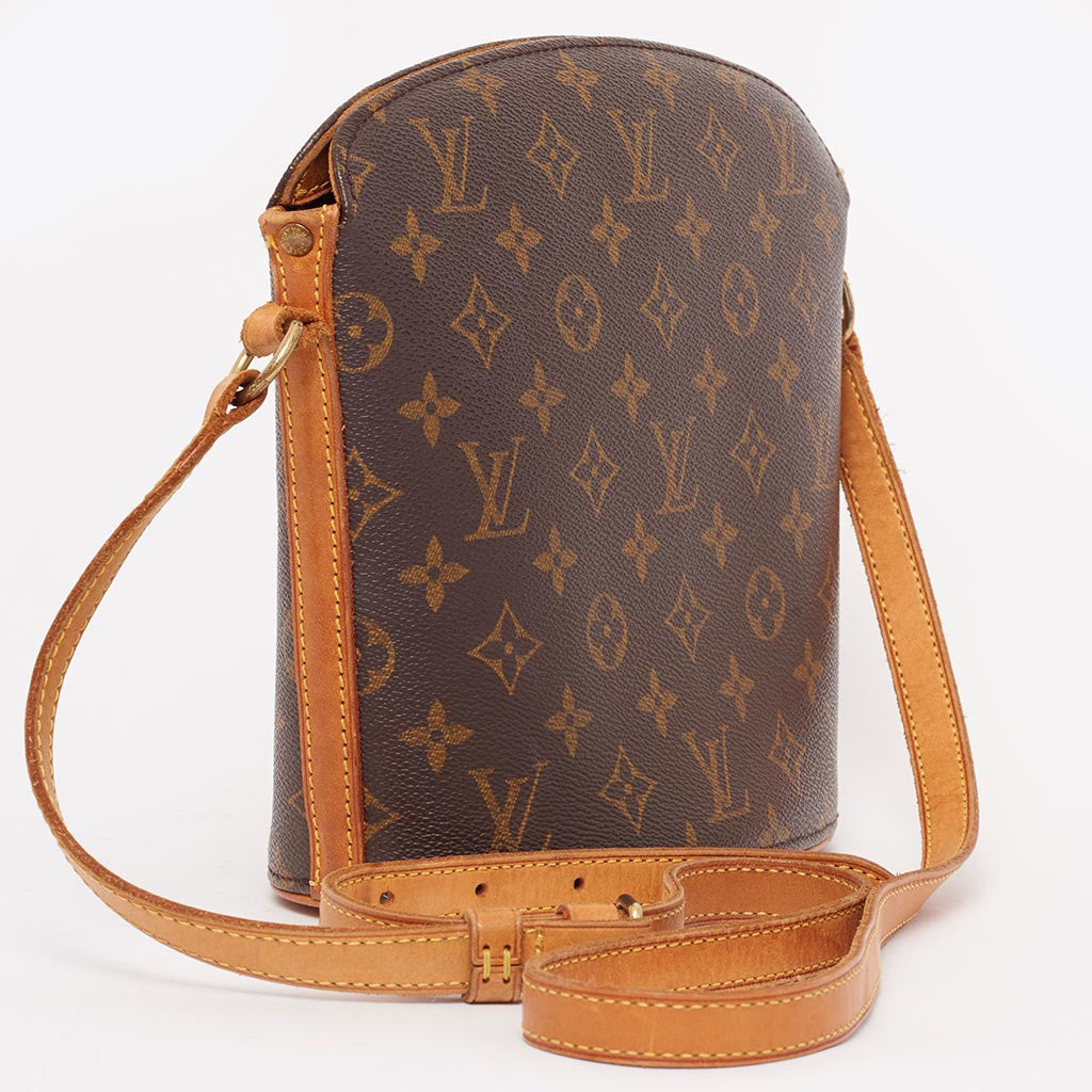 Vintage Louis Vuitton monogram crossbody bag