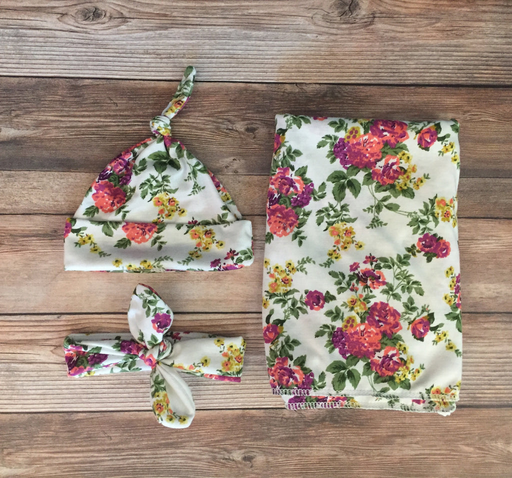 White Floral Swaddle Set