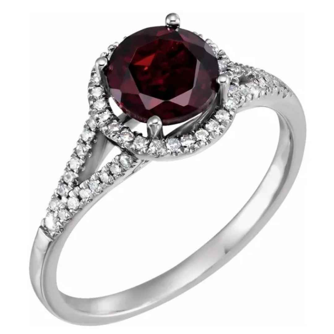 Women's 14K gold Mozambique Garnet engagement ring