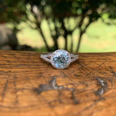 Women's halo engagement ring