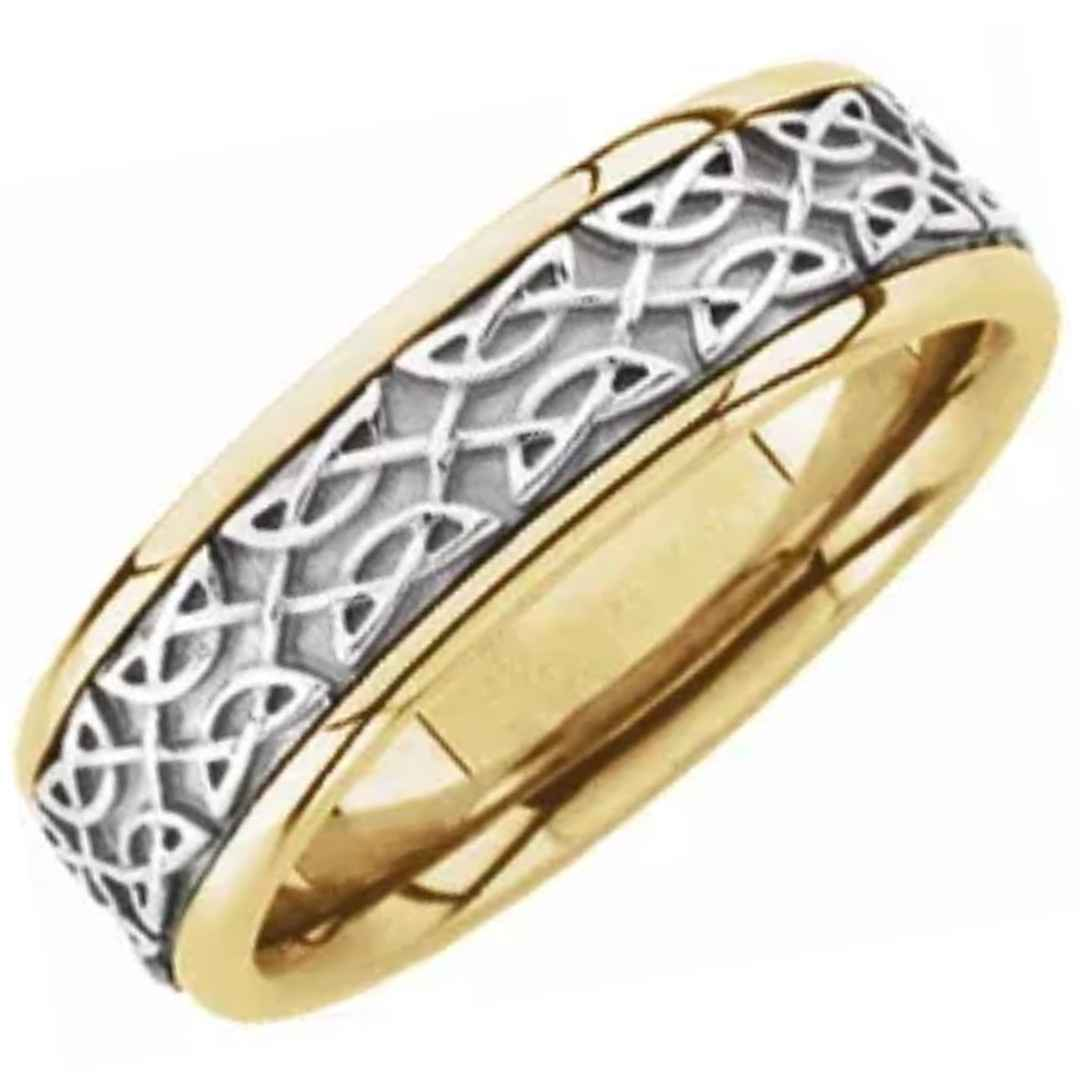 Yellow gold men's wedding ring with Celtic inspired white gold inlay